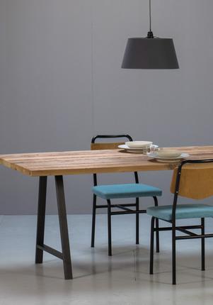 Tables sur mesure en bois ancien la parqueterie nouvelle for Table sur mesure lapeyre